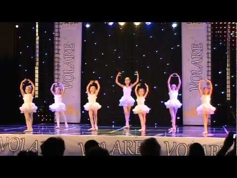 Sofia and her ballet classmates dancing to Baby Beluga for their dance recital.