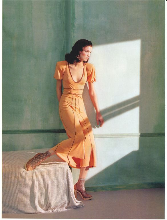 """Ritratti di Nuovo Stile"": Mariacarla Boscono in Edward Hopper's Morning Sun by Javier Vallhonrat for Flair"