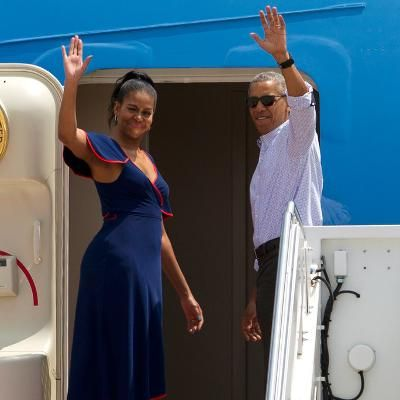 Barack and Michelle Obama Enjoy Summer Vacation on Martha's Vineyard: Description: The First Family touched down in New England this weekend looking vacation-ready in coordinating red and blue looks. See inside their annual summer getaway.The First Family touched down in New England this weekend looking vacation-ready in coordinating red and blue looks. See inside their annual summer getaway. Shares Per Hour:Viral=542