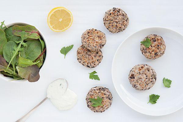 Ricetta Polpette di riso integrale e fagioli neri con tzatziki - Labna