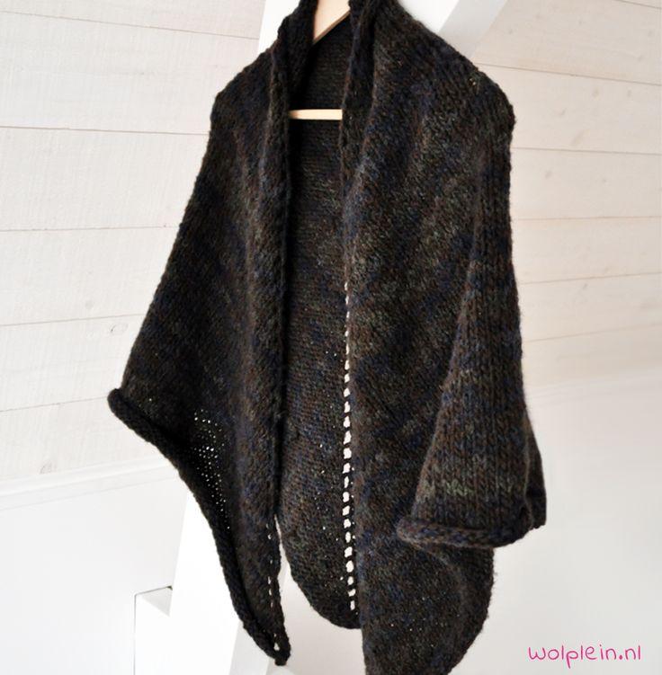 Sjaal breien? Gebruikt dit handige en gratis patroon voor een sjaal met punt. De sjaal is zelfs ook als omslagdoek te gebruiken. Stijlvol en veelzijdig!