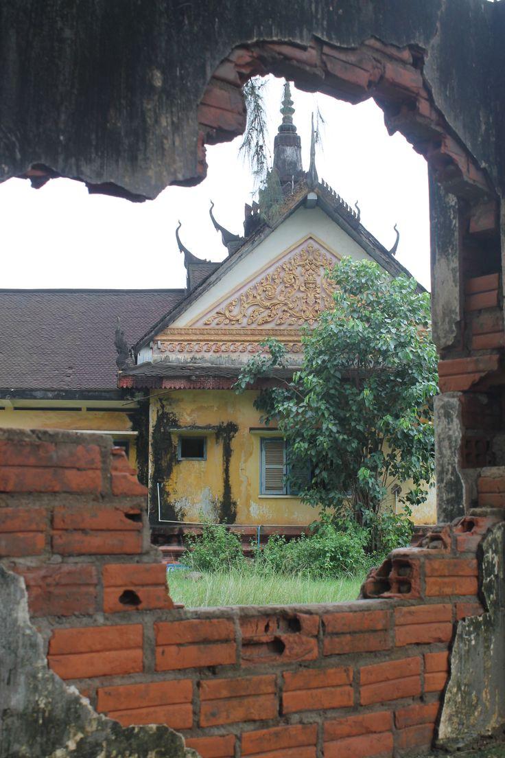 Un temple en me promenant dans #Kampot