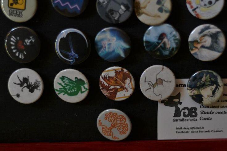 Handmade, custom pins  For info: Gatta Bastrada Creazioni (facebook) https://www.facebook.com/pages/Gatta-Bastarda-Creazioni/237047259684340?ref=bookmarks