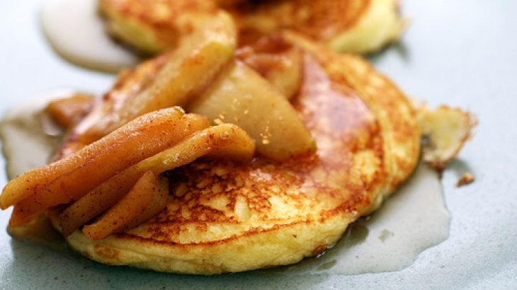 Lemon Ricotta Pancakes with Sauteed Apples. NOM NOM