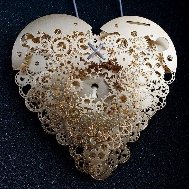 Clockwork love gold