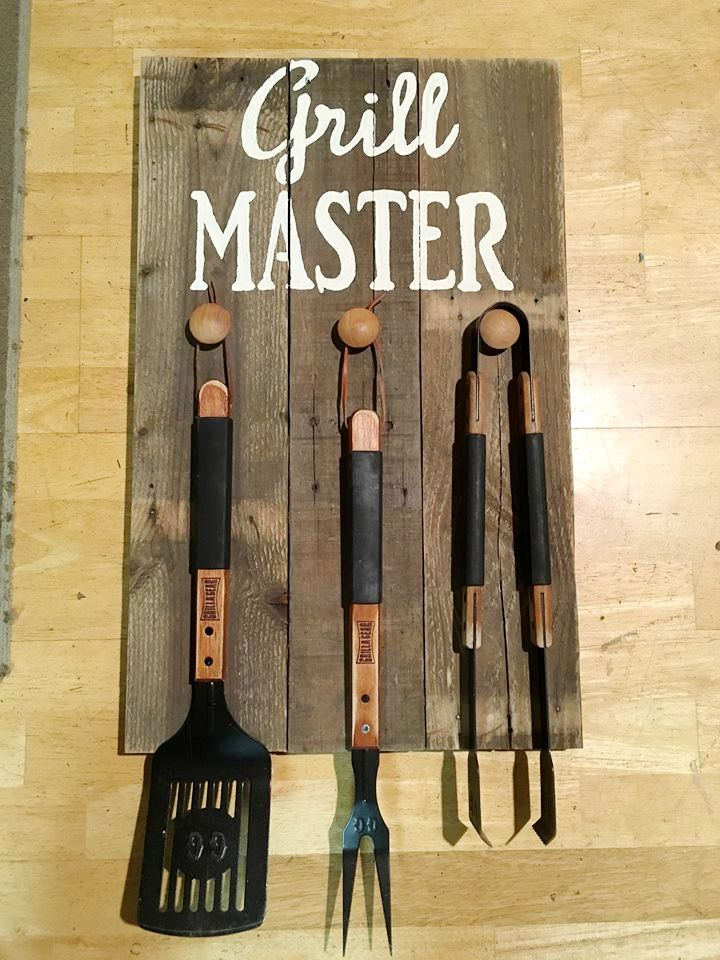 Pallet #Kitchen Hanging Tool Rack - 130+ Inspired Wood Pallet Projects | 101 Pallet Ideas - Part 4