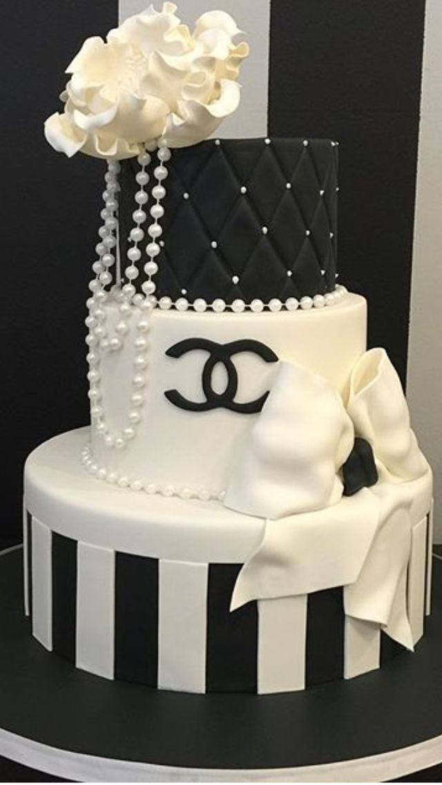 Chanel cake More Más