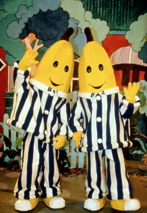 The funny thing is the theme song is messed up, it goes bananas in pyjamas are coming down the stairs bananas in pyjamas are CHASING TEDDY BEARS like what kind of song is that LOL