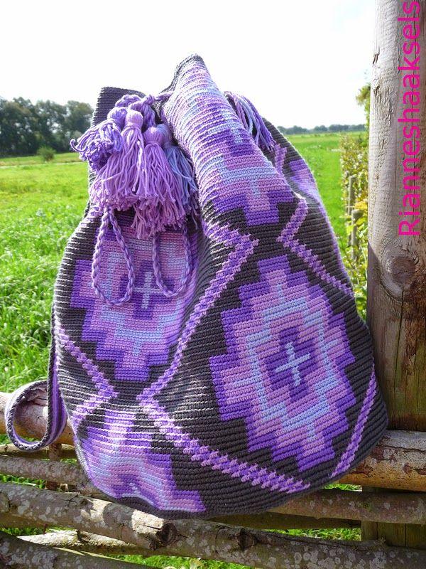 RiannesHaaksels: Wayuu Mochila Haakpakketten voor het haken van deze tas zijn verkrijgbaar in mijn webshop, www.RiannesHaaksels.nl  #haken #wayuumochila #RiannesHaaksels