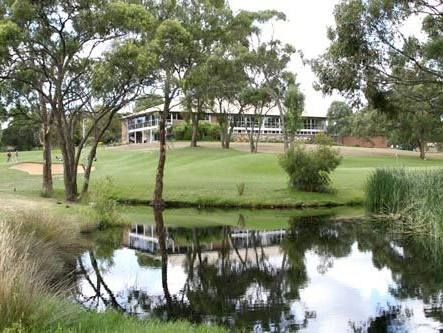 Great locations for your wedding photography at Flagstaff Hill Golf Club