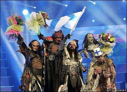 Lordi. Eurovision 2006. Supreme gimmicky wonderfulness. Love that monsters are holding bouquets. Monsters like flowers too you know.