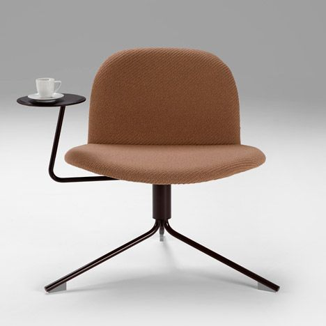Dutch designer Richard Hutten shaped this circular seat to mimic how architects denote chairs on floor plans