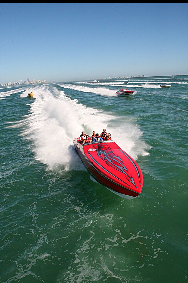 Leaving Miami!  Florida Powerboat Club travels through Biscayne Bay on their way to Key West - Seatech Marine Products & Daily Watermakers