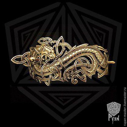 Купить или заказать Заколка 'Кельтский дракон' в интернет-магазине на Ярмарке Мастеров. Бронза. Дракон – древнейший символ, встречающийся в мифологии многих культур. Дракон символизирует таинства жизни, в которой переплетены добро и зло, жизнь и смерть, вечное и преходящее. Серебро - второе фото, цена 7500 руб.