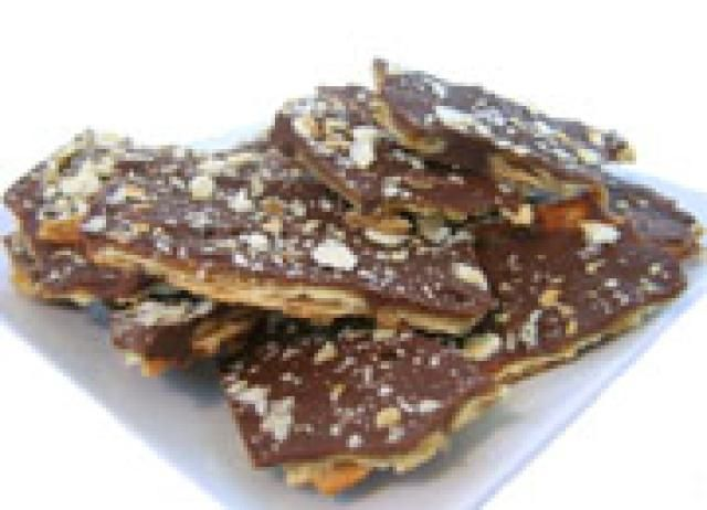 saltine toffee - (c) 2008 Elizabeth LaBau, licensed to About.com, Inc.