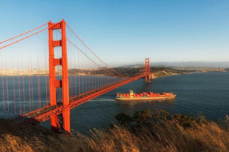 Bridge Golden Gate in USA