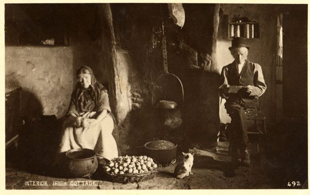 early 1900's - Inside the Irish Cottage, Houses and villages, Ireland  via maggieblanck.com