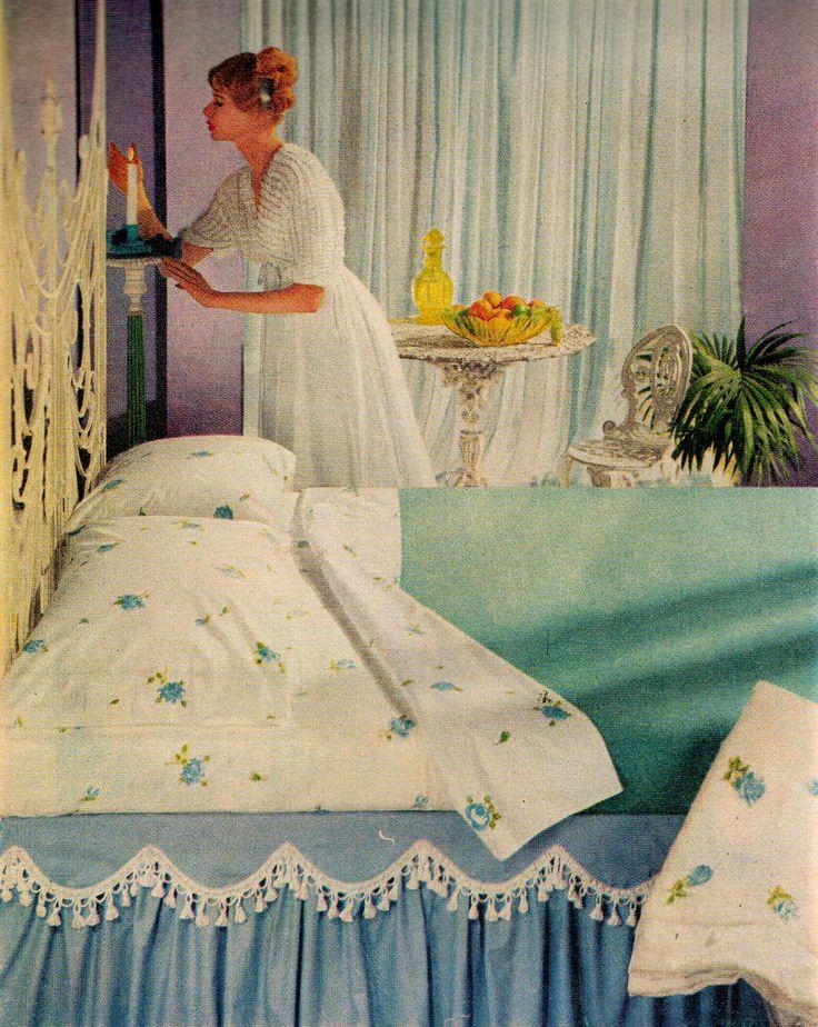 Mid-century modern sheets, 1958 #retrobedroom #1950s #retrorenovation http://www.retrorealtygroup.com