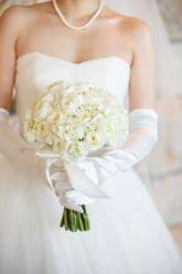 【結婚式準備のリアルなアイデア満載】おしゃれ卒花嫁のウェディング実例を毎日更新中◎ドレス、ウェディングケーキ、ブーケから、ヘアメイク、ネイル、海外挙式、結婚式場、二次会、余興、演出、フォトウェディングなど、プレ花嫁に役立つ情報満載のウェディングサイト。