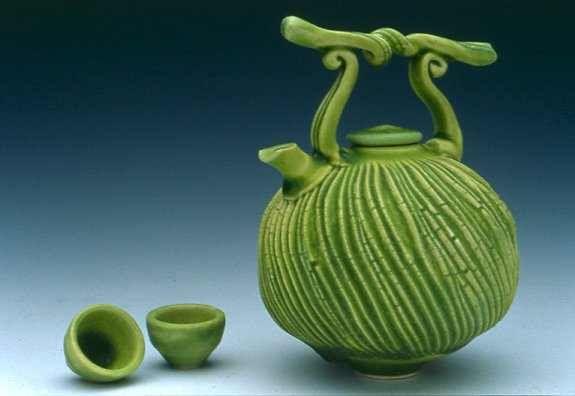 42 Best Fong Choo Images On Pinterest Ceramic Teapots