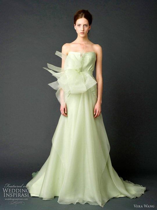 125 besten Ga Ga for Wedding Gowns Bilder auf Pinterest ...