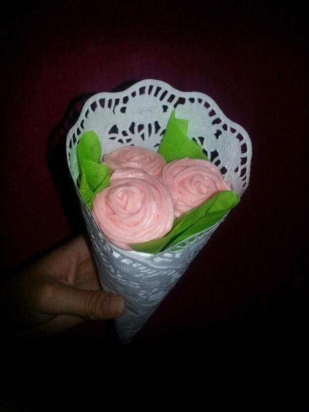 Ramo de rosas con mini quecos
