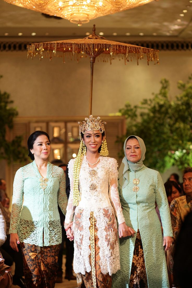One Couple's Exquisite Javanese Garden Wedding - 020