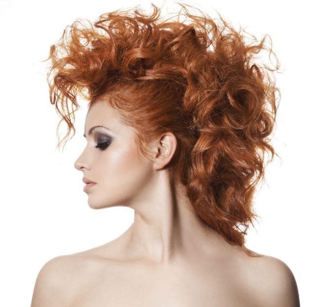 10 acconciature per capelli ricci