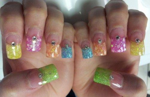 Super Stars Flashy Nail Art http://www.naildesignspro.com/star-nail-designs/