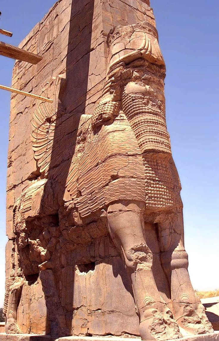 Gate of All Nations. Persepolis, modern-day Iran. Construction ordered by the Achaemenid king Xerxes (r. 486-465 BCE)