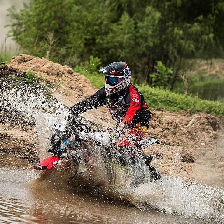 In love with the rally   Enamorado del Rally   #4stroke #dakar2016 #kawasaki #kTM #motorcycle #enduro #wild #husqvarna #rallybike #wheelie #Suzuki #rallybikes #honda #Yamaha #mud #fail #dakar #advrider #dualsportlife #advbiker #advaddicts #dakarseries #dakarrally #dakar  Check our page: http://ift.tt/1IHJREW  Photo by @kevinmaxbenavides by rallybikes