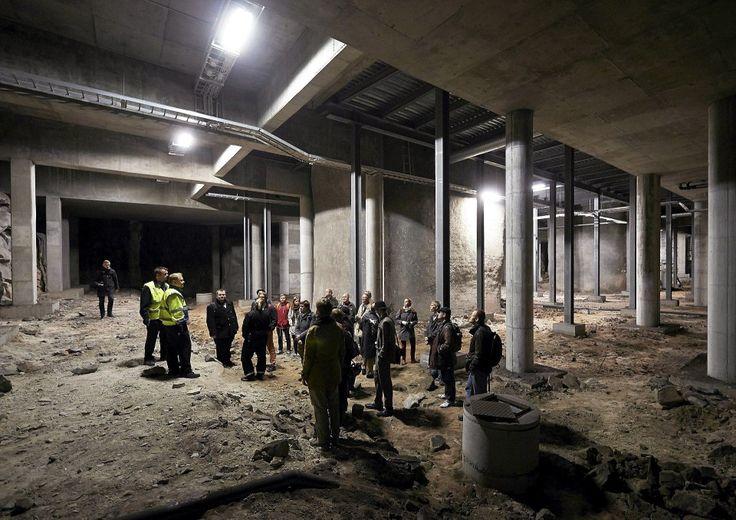 Kampin metroaseman alla sijaitsee massiivinen metroaseman alkio, jossa on alustavasti raidesuunnat Pasilaan ja Kruunuvuoren päin. Kuva: Kimmo Räisänen