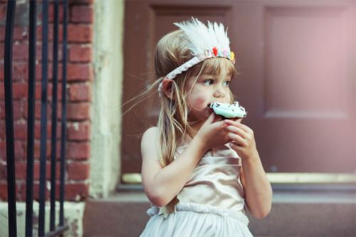 these would make great headdresses for the littlest's capesLittle Girls, Cupcakes, Birthday Parties, Children, Feathers Headbands, Indian Parties, Indian Princesses, Baby, Kids