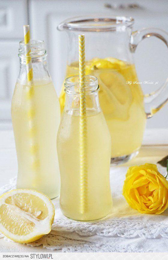 Lemoniada cytrynowo-różana przepis po kliknięciu w zdję… na Stylowi.pl