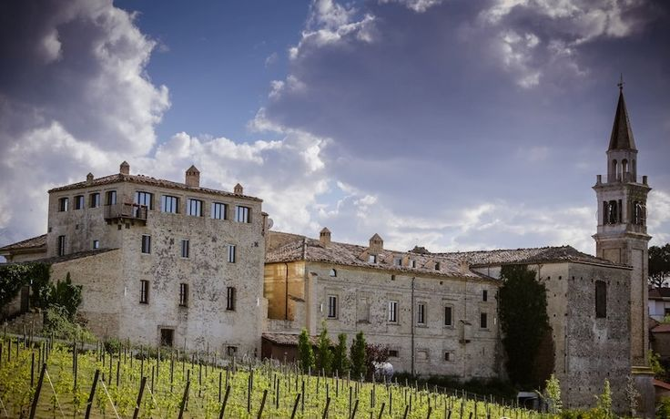 Chianti Castle, Tuscany wedding venues with vineyards www.italianstyleweddings.com
