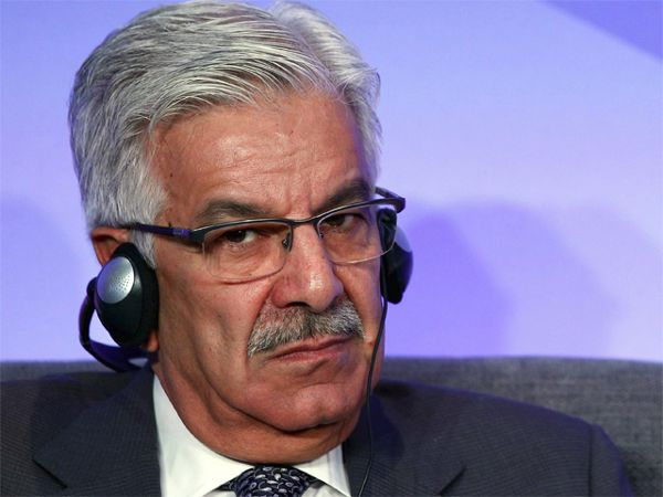 Pakistan defence minister threatens India with nuclear attack - The Economic Times