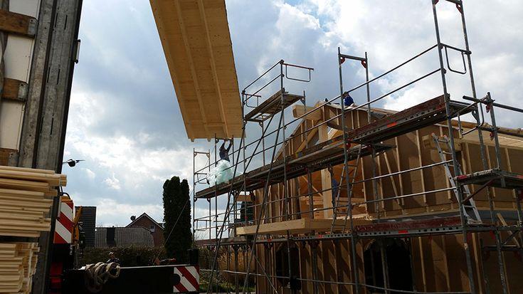 Dom drewniany – pierwsze skojarzenia przychodzące na myśl to ciepło, nastrojowość, niezwykła atmosfera, urok wiejskiej chaty. www.liderbudowlany.pl
