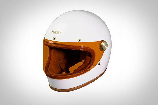 Don't be fooled by the name.The latest helmet from British company Hedon might be called the 'Heroine', but this helmet is definitely made for both men and women. Off the back of their luxurious 'Hedonist' open face helmet, the gentlefolk from Hedon have launched this, their newcreation. It'sa retro styled full faced helmet that definitelylooks the part. The Heroine comes...