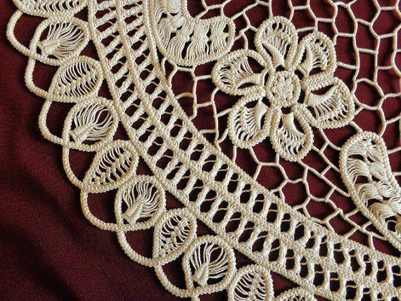 Vintage romanian lace center piece by DoiliesLaceCrafts on Etsy