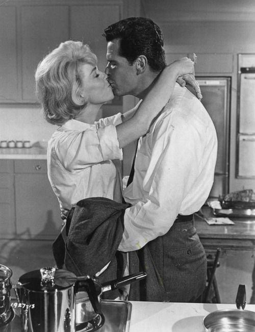 """Doris Day and James Garner The Thrill of it All - my favorite Hollywood """"couple"""" -  mainly because of James Garner!"""