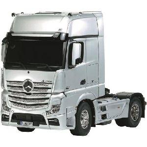 Italeri 3905 Mercedes Benz Actros GigaSpace