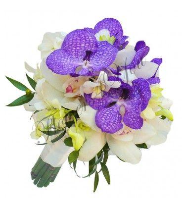 Iata un buchet de mireasa exotic si pretios, realizat din cupe bogata de orhidee alba, dendrobium si vanda blue. O explozie de culoare si contrast intens, cu note proaspete de verde.  Buchet 7 cupe orhidee alba, 10 dendrobium alb, 7 cupe vanda blue  http://flowers4you.ro/buchete-de-mireasa/580-buchet-mireasa-orhidee-dendrobium-vanda-.html