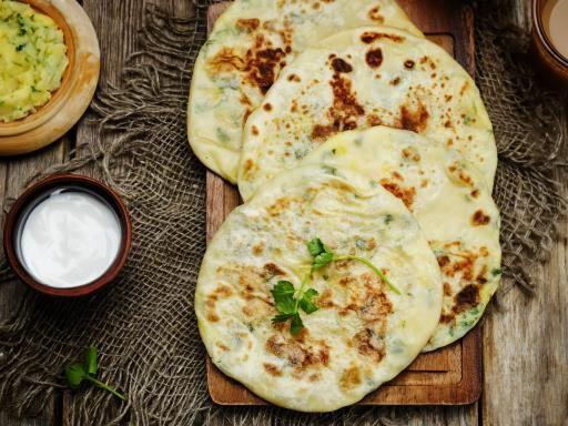 Besan paratha / beignets à la farine de pois chiches (Inde) : Recette de Besan paratha / beignets à la farine de pois chiches (Inde) - Marmiton