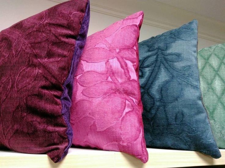 все #ткани из коллекции SPECTRUM #Galleria_Arben уже распроданы, зато у @tweed96 появились вот такие красивые #подушки из мягкого шенилла