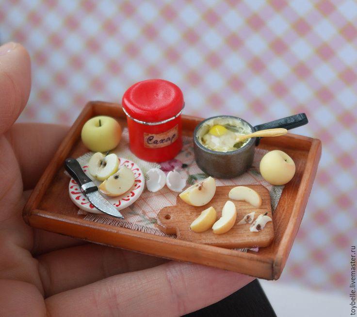 """Tiny polymer clay food / Купить Кукольная миниатюра """"Готовим пирог с Белым наливом"""" - разноцветный, миниатюра для кукол, миниатюрная еда"""