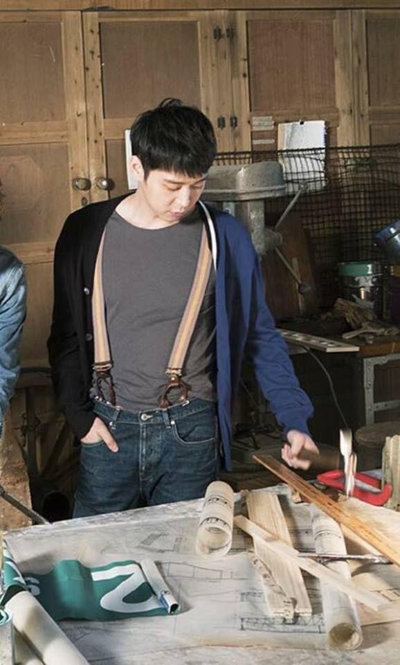 20151201 JYJ OFFICIAL Facebook & C-JeS Instagram Update : 2016 JYJ Calendar photos – JYJ as Carpenters or Flower Boys
