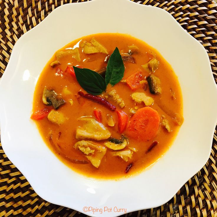 Thai Panang Curry with Chicken made in Instant Pot or Pressure Cooker. A quick one-pot dish ready in less than 30 minutes. Enjoy with jasmine rice.