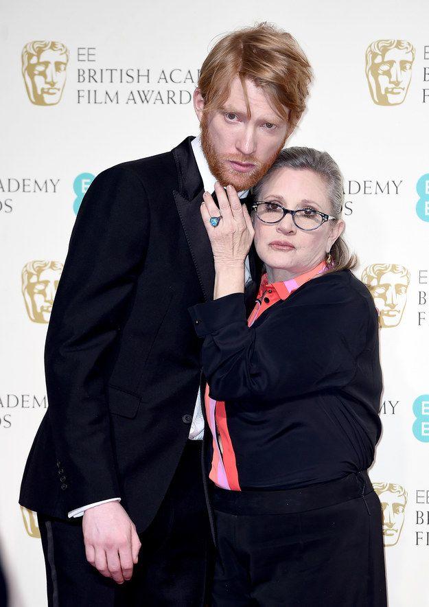 ¯\_(ツ)_/¯ | Carrie Fisher And Domhnall Gleeson Totally Stole The Show Backstage At The BAFTAs