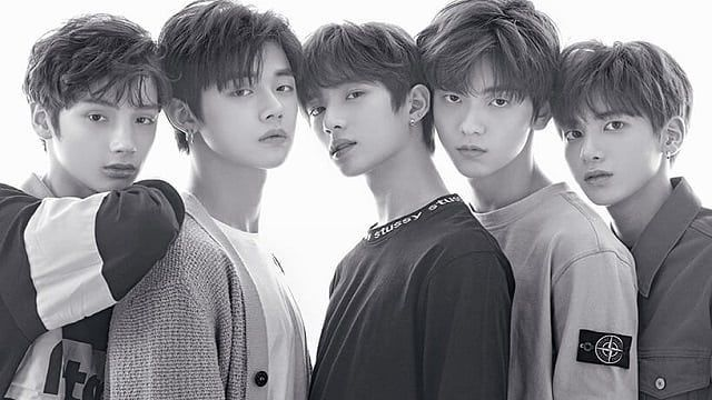 Txt Release First Look At Debut With Crown Txt Kpop Wiki Check It Out At Www Kpopwiki Net Boy Groups Txt Record Label