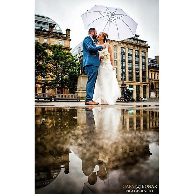 """Gemma & Jamie, George Square, Glasgow.  #weddingdress #weddingflowers #wedding photographer #weddingphotography #niksoftware #vscocam #vsco #canon #adobe #sandisk #pixapro #yongnuo #documentaryweddingphotography #wedding #bride #groom #weddingmagazine #scottishwedding #love #scotland #glasgowwedding #georgesquare"" by @garybonarphotography. #невеста #prewedding #свадьба #casamento #noiva #instabride #bride #weddingphotography #bridal #engaged #brides #engagement #theknot #weddingdecor…"